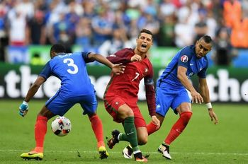 Portugal-v-France-Final-UEFA-Euro-2016.jpg